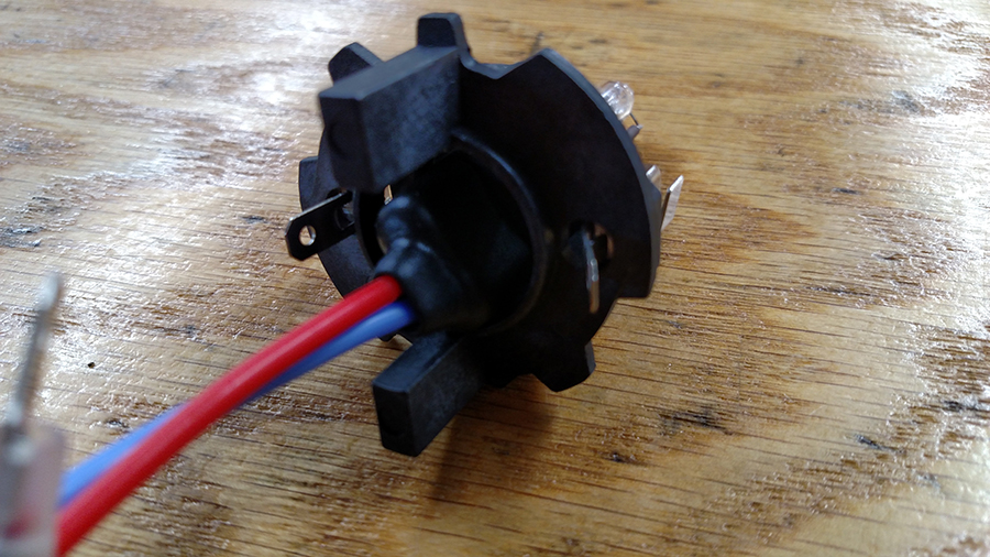 H7 HID Bulb with adapter base